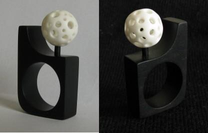 prsten (eben, kost; 43x23x9 mm; 2011)